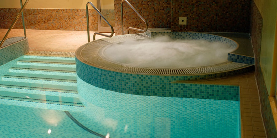 Apollo Hotel Basingstoke - pool