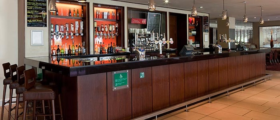 Holiday Inn Fareham - bar