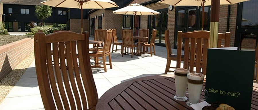 Holiday Inn Fareham - patio