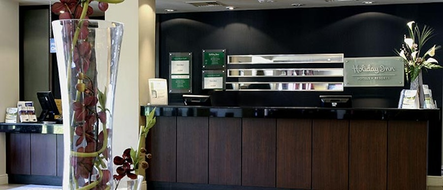 Holiday Inn Fareham - reception