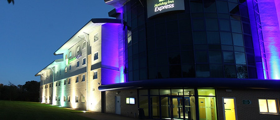 Holiday Inn Express M27 J7 - near Paultons Park