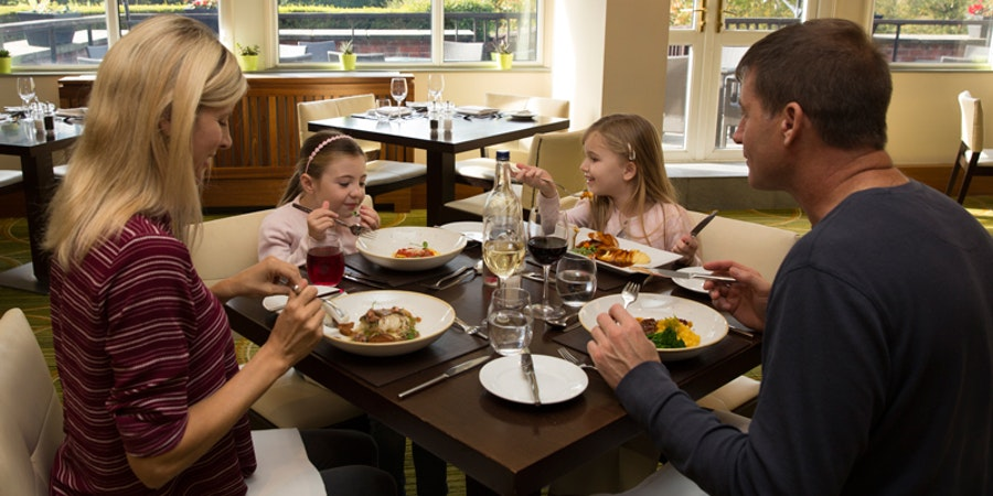 Meon Valley Hotel & Country Club Southampton - restaurant
