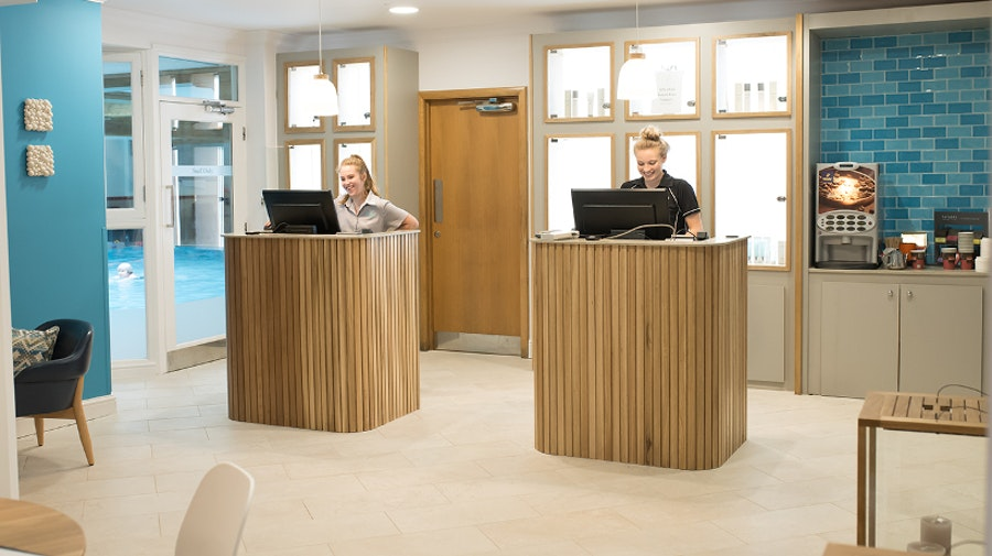 Solent Hotel - spa reception